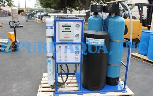 Máquina de Osmose Reversa de Água Salobra Montada em Suporte 4,500 GPD - África do Sul