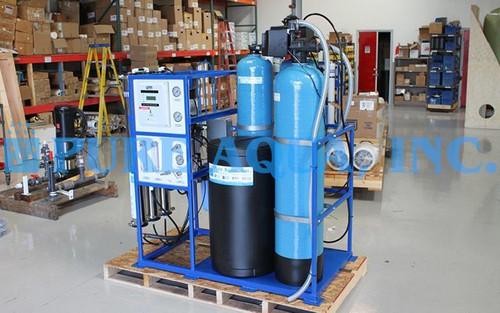 Sistema de Osmose Reversa Montado em Suporte 4,500 GPD - EUA
