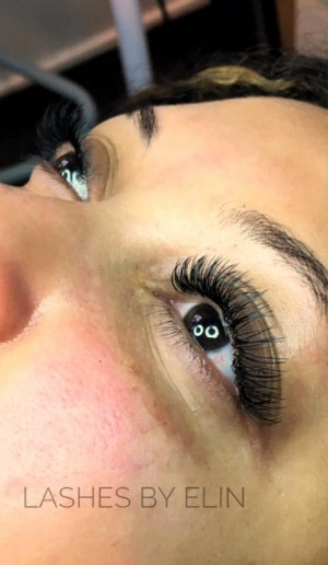eyelash-extension-artists-elin-moonen-photo-of-eyelash-extensions-lash-stuff.jpg