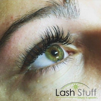 lash-artist-of-the-week-maria-martin-photo-of-eyelash-extensions-by-lash-stuff.jpg
