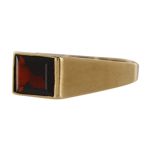 Second Hand 9ct Gold Garnet Signet Ring