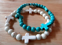 """6"""" Synthetic White and Blue synthetic Magnesite Round & Cross Beaded Stretchy Bracelet"""