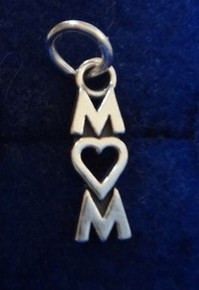 says Mom with a Heart for the O Sterling Silver Charm