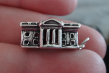 18x16mm 4 gram The White House in Washington D.C. Sterling Silver Charm