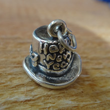 Sterling Silver 3D 11x13mm Says Happy New Year on a Top Hat Charm