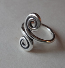 Sterling Silver 18mm wide at the Swirl on an adjustable Toe Ring 2mm band