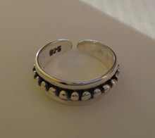 Sterling Silver 4mm wide band Dots in a channel all around Toe Ring
