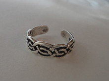 Sterling Silver 5mm wide band Celtic Knot design on Toe Ring