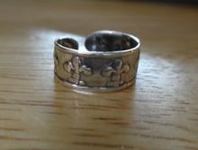 Sterling Silver Decorative Fleur de Lis design around 6mm wide Toe Ring