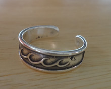 Sterling Silver Decorative Wave design along the top 6mm wide Toe Ring