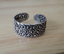 Sterling Silver Decorative Triple Wave design on 5mm wide Toe Ring