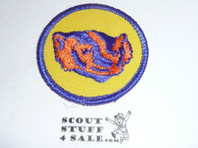 Badger Patrol Medallion, Yellow Twill with paper back, 1972-1989