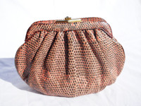 1980's-90's SALMON Ring LIZARD Skin Clutch Bag - JUDITH LEIBER