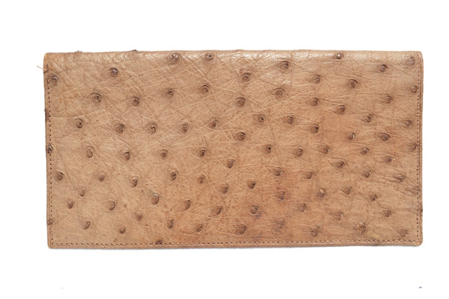 959ff639f7f Unisex 1970 s-80 s Tan Ostrich Skin Long Checkbook Pocket Billfold ...
