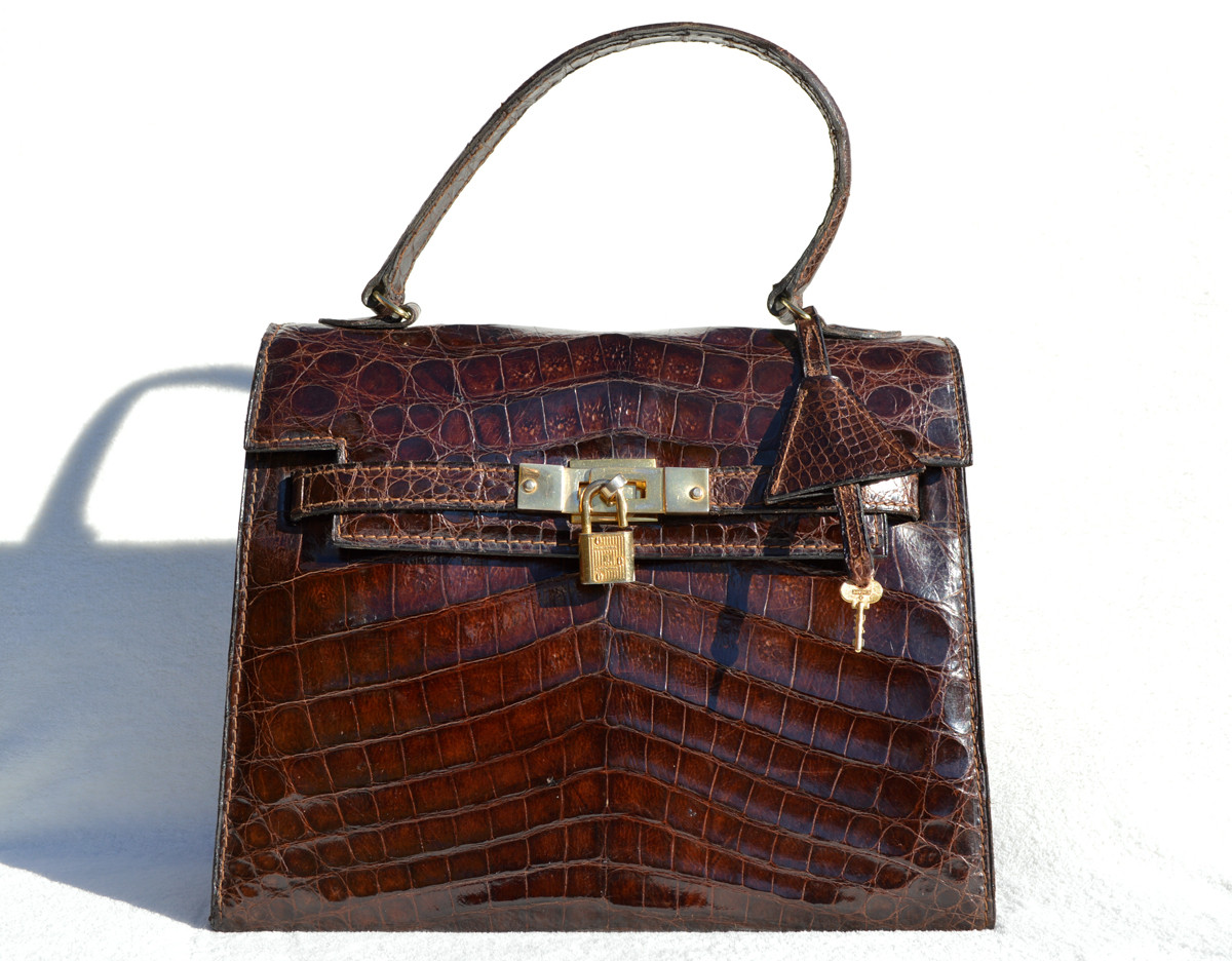 fe8a03123c59 ... 1990 s Dark Brown CROCODILE Skin BIRKIN Bag BRIEF - HERMES Style! Image  1. Loading zoom