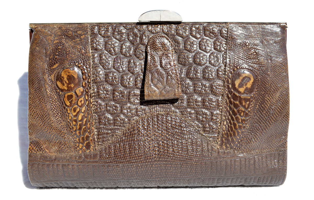 ba2a5b2519 1940 s Deco-Style QUILTED Lizard Clutch Purse w Silver Hardware ...