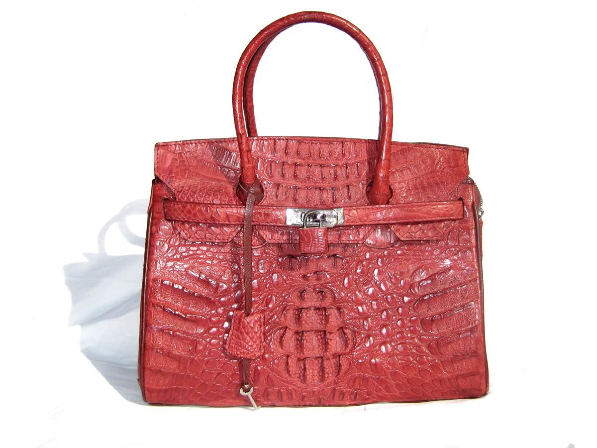 dbe4ee424719 ... DARK RED Early 2000 s Hornback CROCODILE Shoulder Bag - BIRKIN Style.  Image 1. Loading zoom