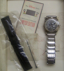 Fossil Steamboat Willie Watch Set Disney Store Mickey Mouse LMT. ED.