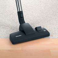 Ideal for all smooth flooring and low-pile carpeting. Easily transition from smooth floors to carpeted surfaces with a quick click of the rocker switch. For use with S2000-8000 series canister vacuums.