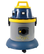 Johnny Vac Wet-Dry commercial vacuum: 4-gal capacity with a 1000-watt motor.