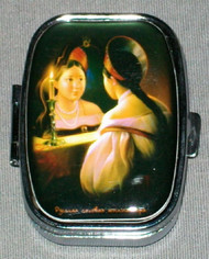 CANDLELIGHT REFLECTION ON HAND CRAFTED RUSSIAN PILL BOX #1319