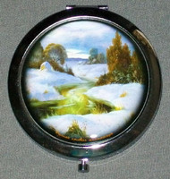 GREEN & WHITE WINTER SCENE ON RUSSIAN COMPACT / MAKE UP MIRROR #0002