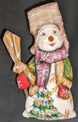 A FUN, WHIMSICAL HAND CARVED & HAND PAINTED GREEN, GOLD & RED SNOWMAN #2866