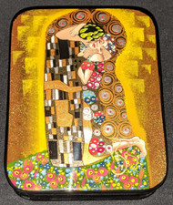 GORGEOUS HAND PAINTED RUSSIAN LACQUER BOX - GUSTAV KLIMT, THE KISS #5500