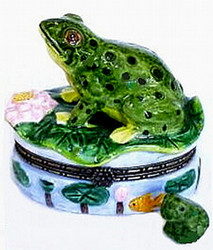 Green Leopard Frog on Lily Pad 2pc Porcelain Hinged Box