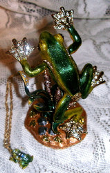 Bejeweled Jumping Tree Frog with Austrian Crystals Trinket Box & Pendant