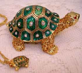 Bejeweled Green Turtle Enamel & Austrian Crystals Trinket Box with Necklace