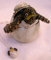 Bejeweled Hatching Sea Turtle with Austrian Crystals Enamel Trinket Box