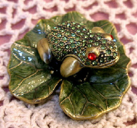 Green Crystal Frog on Enamel Lilypad Pewter Hinged Trinket Box