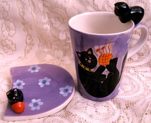 Black Cat & Yarn Daisy Flower on Lavender Ceramic Mug & Coaster Set