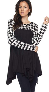 83766 Black/White Houndstooth Top