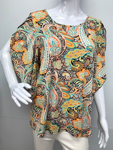 3700 Paisley Overlapped Sleeve Top