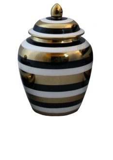 this stunning piece marries well with the larger Jar/ Vase L1010 and also the fabulous matching plate L1040