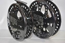 "Raven Matrix XL Centerpin/Float Reel 5 1/8"" Limited Edition Free Neo Pouch"