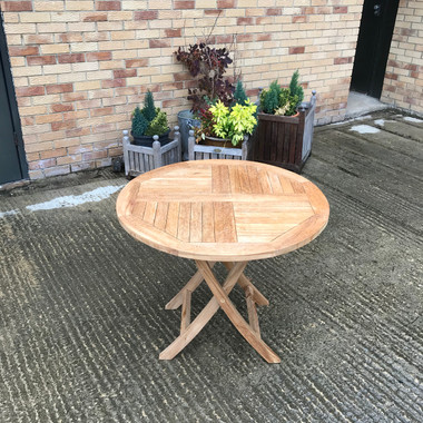 Stow Folding 90cm Round Table