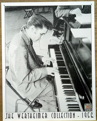 Photo of ELVIS PLAYING THE PIANO WARM BLACK AND WHITE PICTURE WITH VERY NICE DETAILS