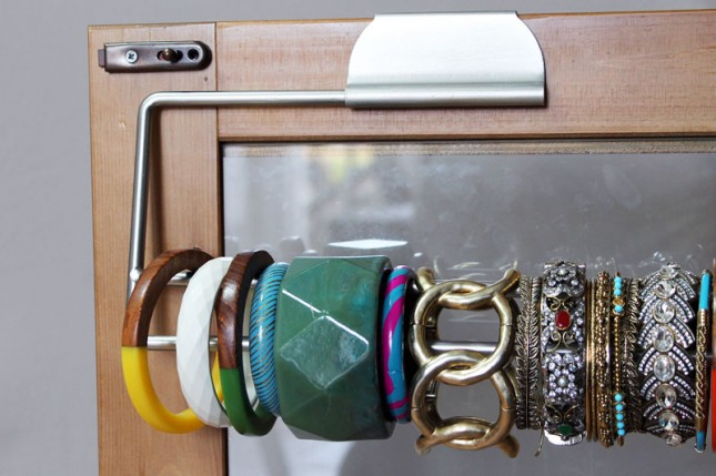 1441911490-paper-towel-holder-bangles-organization.jpg