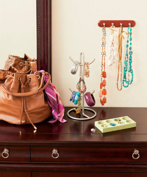 550056c81c674-organize-accessories-0310-s3.jpg