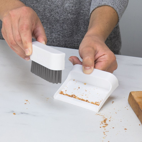 Magnetic Countertop Brush & Dustpan