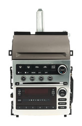 2005-2006 Infiniti G35 AM FM Receiver MP3 with 6-Disc CD Player 28185 AC700