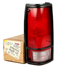 1985-1994 Chevrolet Blazer 1992-93 GMC Typhoon Left Rear Tail Light Lamp 919679