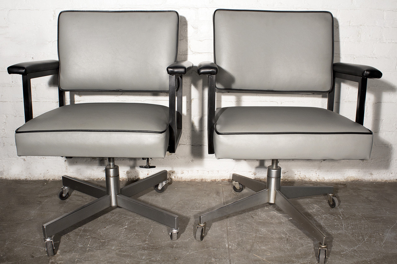 Prime Sold Pair Of 1970S Steelcase Industrial Office Chairs Refinished Home Interior And Landscaping Dextoversignezvosmurscom