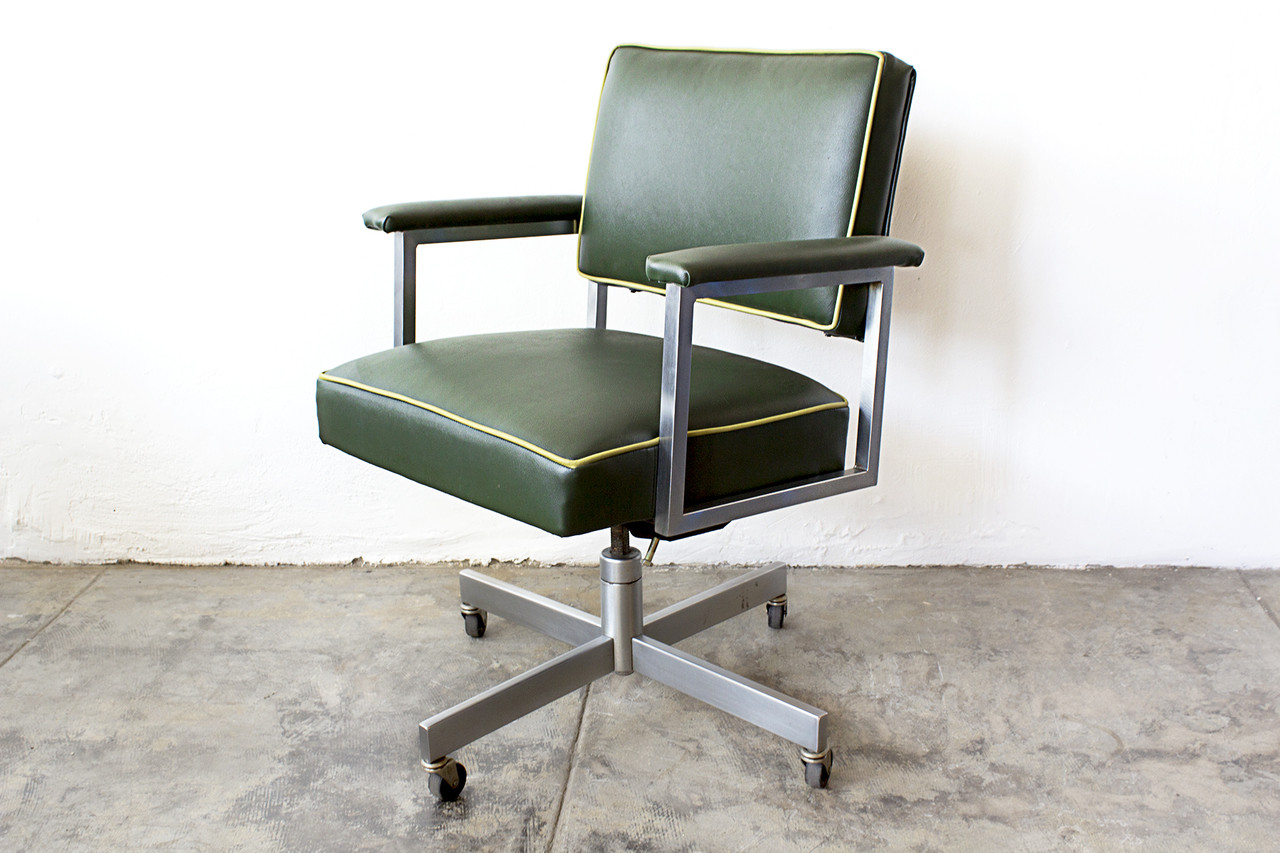 uk availability 05891 cfcc0 SOLD - 1970s SteelCase Office Chair, Refinished, Green