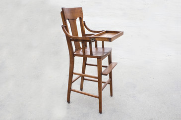 Craftsman High Chair in Oak, circa 1920
