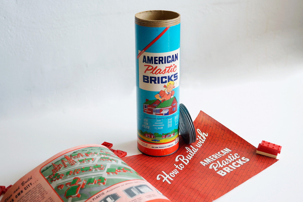 American Plastic Bricks - Vintage Mid-Century Toy by Halsam