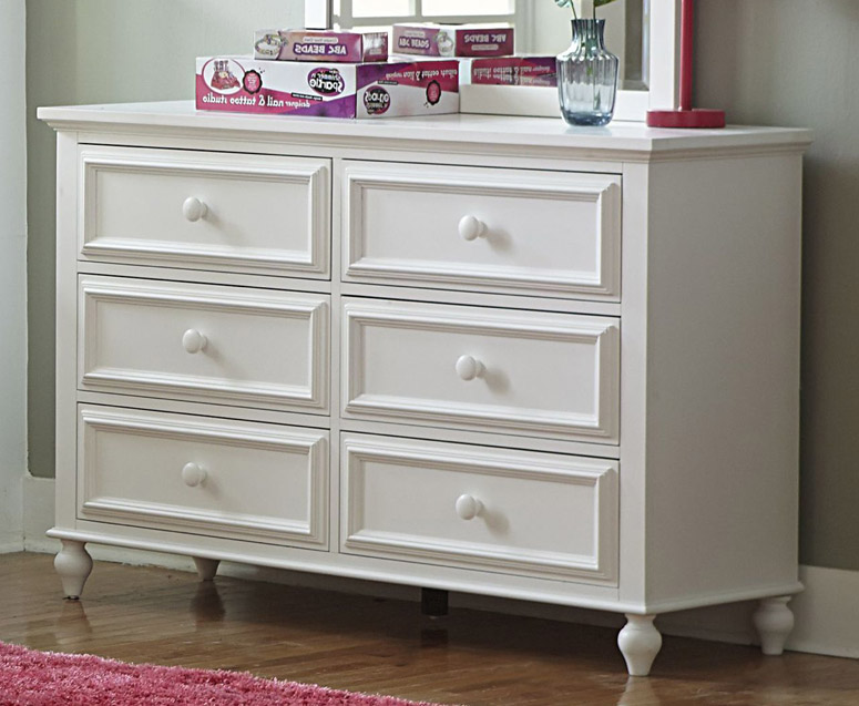 Academy dresser in white